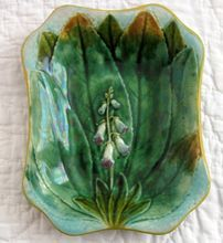Rare Antique Majolica Foxglove Pattern Dish. England. Possibly Wedgwood. Or, after a Wedgwood Green server.