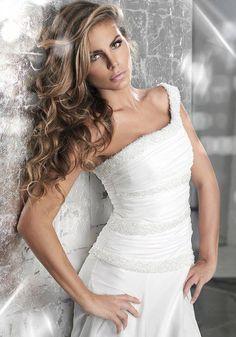 Gioel Moda www.tuttosposi.it Abiti Da Sposa 9d2ac2072be