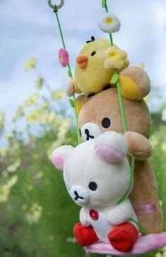 #Rilakkuma #Korilakkuma #Kiiroitori on a swing *\(^o^)/*