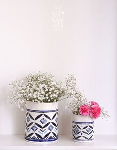 2 porcelain vases, Awesome!
