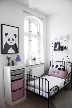 Simple, minimal and stylish girls room - the the colour and style of the wall paint