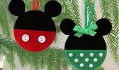 Bring Disney magic to your Christmas tree with these 7 DIY Mickey and Minnie ornament ideas. Crochet Christmas Decorations, Diy Christmas Ornaments, Felt Christmas, Diy Christmas Gifts, Holiday Crafts, Felt Ornaments, Disney Christmas Cards, Mickey Mouse Christmas Ornament, Disney Diy