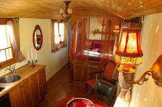 romantic-tiny-caravans-bedroom