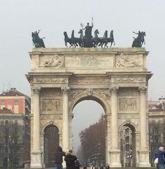 #milano #arcodellapace #igersmilano #turismomilano #visitmilano #welovemilan #milanodavedere #milanocityufficiale #zonasarpisempione by andrea.ridolfi