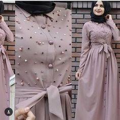 Burka Fashion, Modern Hijab Fashion, Iranian Women Fashion, Frock Fashion, Islamic Fashion, Muslim Fashion, Fashion Dresses, Mode Abaya, Stylish Dresses For Girls