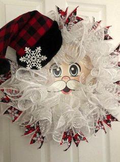 Santa Wreath, Christmas Wreaths To Make, Christmas Door Decorations, Holiday Wreaths, Plaid Christmas, Winter Wreaths, Spring Wreaths, Holiday Ideas, Vintage Christmas