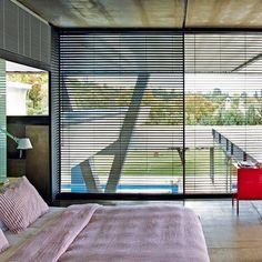 Chambre design : 50 inspirations à copier Sleep Dream, Modern Architecture, Blinds, Beach House, Curtains, Bedroom, Inspiration, Madrid, Home Decor