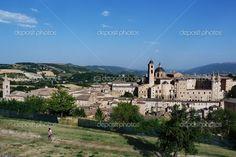 vista del centro di urbino, marche, Italia - Immagine Stock: 32305029