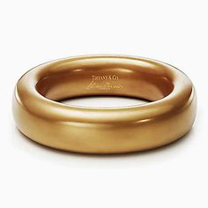 Elsa Peretti® bangle in gold lacquer over Japanese hardwood, small.