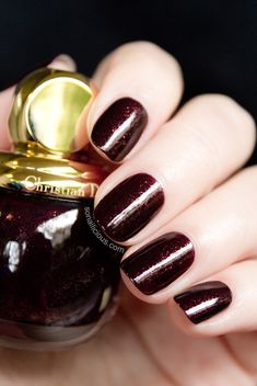 Diorific Minuit from Dior Golden Winter Holiday 2013 collection. Dark Red Nails, Burgundy Nails, Love Nails, Pretty Nails, Art Deco Nails, Dior Nail Polish, Christian Dior, Luxury Nails, Mani Pedi