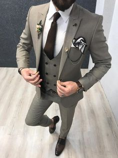 Product : Connor Beige Slim-Fit Suit Color code : Cream Size : EU ( See Size Chart Below ) Suit material: Wool , Viscose Machine washable : No Fitting : Regular Slim-fit Remarks: Dry Cleaning Only Package Include: Coat, Vest, Pants, Shirt and Tie Only Indian Men Fashion, Mens Fashion Suits, Mens Suits, Mens Casual Suits, Classy Suits, Reception Suits, Blazer Outfits Men, Casual Outfits, Grey Suit Men