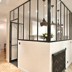 Avant / Après : Décloisonner un appartement pour le rendre plus lumineux Glass Door, Sweet Home, Construction, Windows, Doors, Inspiration, Furniture, Home Decor, Decor Diy