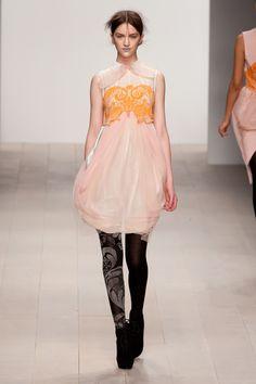 ボラ アクス(BORA AKSU)2012-13年秋冬 コレクション Gallery16 - ファッションプレス