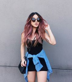 Irresistible Rose Gold Hair Color Looks – My hair and beauty Black Hair Ombre, Ombre Hair Color, Cool Hair Color, Burgundy Hair Ombre, Dark Pink Hair, Rose Gold Hair Brunette, Maroon Hair, Blonde Brunette, Hair Colour