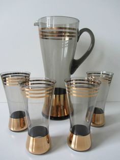 Retro 60s large smokey glass lemonade jug 4 glasses gold banded drinks party