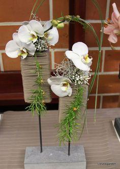 Afbeeldingsresultaat voor bloemstuk op staander