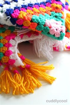Boho Picknick-kleed Haken – Cuddlycool Plaid, Boho, Chrochet, Sewing Hacks, Sewing Tips, Rug Hooking, Old Women, Crochet Hats, Crochet Afghans