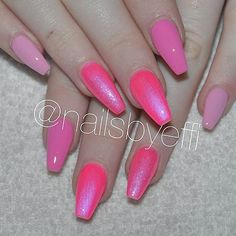 Pink lovers By @nailsbyeffi #nailsbyeffi #itgirlsbrazil #pinknails #gel #nails #pink #love #follow #linda #pinklovers #nails2inspire #unhasdodia #unhasdasemana #notd #inspiration #inspiração #rosa #girls #glitter #instanails #nailsoftheday  #bblogger #night #boanoite ❤