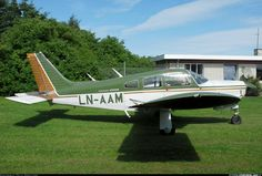 piper cherokee   Photos: Piper PA-28R-200 Cherokee Arrow II Aircraft Pictures ...
