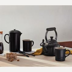 Fresh Coffee Beans, Ground Coffee Beans, Le Creuset Kettle, Coffee Grain, Manual Coffee Grinder, French Press Coffee Maker, Heat Resistant Glass, Milk Shop, Coffee Uses