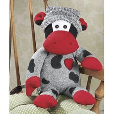 I thought this was a cuter version of the sock monkey Cow Socks, Felt Doll Patterns, Sock Toys, Sock Crafts, Fabric Toys, Paper Toys, Cow Pattern, Sock Animals, Crazy Socks
