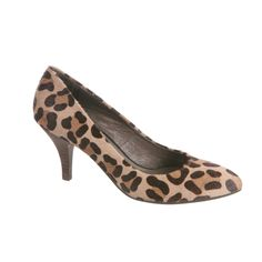 """Classic and chic, the Nicole """"Host"""" pump makes an effortless transition from the office to cocktail hour. We love the cheeta print!"""