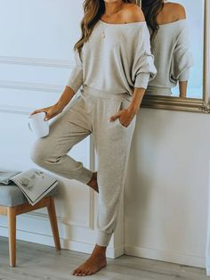 Cosy Outfit, Relaxed Outfit, Comfortable Outfits, Stylish Outfits, Stylish Clothes For Women, Loungewear Outfits, Loungewear Set, Loungewear Jumpsuit, Lounge Outfit