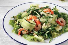 Μια εύκολη σαλάτα που ανήκει στην αφροδισιακή κουζίνα! Υλικά 1 αβοκάντο (περίπου 200 γρ.) Μισό μικρό πεπονάκι (καλοκαίρι) ή 1 αγγούρι (χειμώνας) 8 γρ. γαρί Caprese Salad, Cobb Salad, Prawn And Avocado Salad, Food Categories, Yams, Greek Recipes, Food Inspiration, Seafood, Food Porn