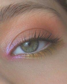 Makeup Goals, Makeup Kit, Skin Makeup, Makeup Inspo, Eyeshadow Makeup, Makeup Inspiration, Dark Eyeshadow, Makeup Ideas, Maybelline Eyeshadow