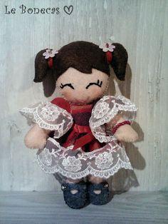 Bambola in feltro Le Bonecas di AlkimyaJewelryBags su Etsy
