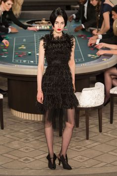 All The Looks from Chanel Haute Couture Fall/Winter 2016  - ELLE.com (=)