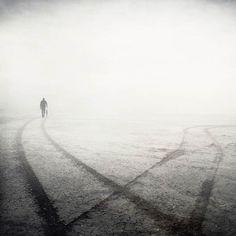 Les photos surréalistes et poétiques de Kasia Derwinska (image)