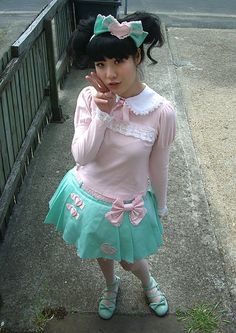 Another semi-casual sweet Lolita outfit. Normally I'd say this is more fairy-kei, but the blouse makes it lean more to Lolita territory Harajuku Girls, Harajuku Fashion, Kawaii Fashion, Lolita Fashion, Pastel Fashion, Colorful Fashion, Japanese Street Fashion, Asian Fashion, Visual Kei