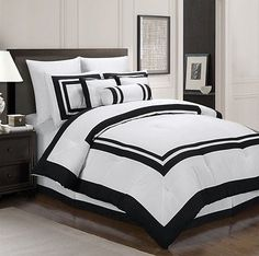 Chezmoi Collection 7-Piece White Black Hotel Style Duvet Cover Set King Size