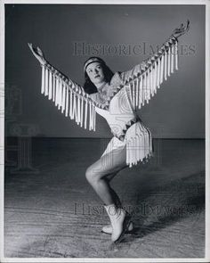 1948 Press Photo Skater Betty Schalow Skates In Ice Follies