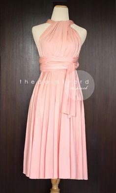 Kurzer gerader Saum Pfirsich Brautjungfer konvertierbaren Kleid Infinity Kleid Mehrwege Kleid Wrap Kleid Hochzeit Kleid Light Apricot Pastell by thedaintyard on Etsy