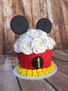 Hand drawn bakery food background Free V. Mickey Cupcakes, Mickey Birthday Cakes, Mickey Mouse Smash Cakes, Mickey 1st Birthdays, Mickey Mouse First Birthday, Mickey Mouse Clubhouse Birthday Party, First Birthday Cakes, 1st Boy Birthday, Birthday Ideas