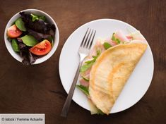 Egg and ham crepes with gruyere Crepe Pan, Ham And Eggs, Boiled Eggs, Healthy Options, Tray Bakes, Crepes, A Food, Food Processor Recipes, Nutrition