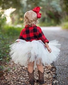 Buffalo plaid and an ivory tutu for the win! And don't forget the big red bow to top it off! Baby Outfits, Flower Girl Outfits, Summer Outfits, Baby Wedding Outfit Girl, Flower Girl Dresses Country, Tutu Outfits, Country Wedding Dresses, Newborn Outfits, Cute Kids