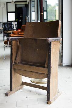 Old #cinema seat www.tarabacli.it info@tarabacli.it Antiques, vintage, lovely stuff on sale