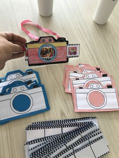 paparazzo- Paparazzo Toddynho's box - - Top Trends Kids Crafts, Summer Crafts, Toddler Crafts, Diy With Kids, Kids Fun, Art N Craft, Classroom Crafts, Preschool Crafts, Preschool Activities