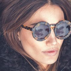 round sunglasses//