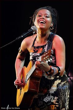 Sara Tavares - portuguese singer and songwriter Portugal, Black Magic Woman, Jazz Artists, Cape Verde, Music People, African Beauty, Her Smile, Music Albums, Music Lyrics