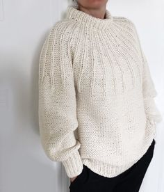 Crochet Amigurumi Free Patterns, Knitting Patterns Free, Baby Knitting, Cute Crochet, Knit Crochet, Crochet Triangle, Knitwear Fashion, Comfortable Fashion, Knitting Designs