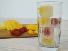 Make this easy Mocktail Hawaiian Sangria Recipe with pineapple and mango. It's…