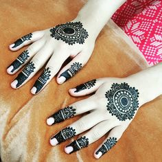 #aleeza_mehndi #mehndiart #hennaglamour #trendyhenna#hennadesign #henna #hennatattoo#mehndiartist #mehndiart #mehndi Cool Henna Designs, Mehndi Designs For Hands, Mehandi Designs, Mehndi Hairstyles, Mehendi Arts, Finger Henna, Marriage Decoration, Mehndi Images, Hennas