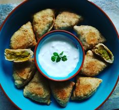 India legnépszerűbb street foodja: a szamósza - Helló Curry! Falafel, Curry, Street, Ethnic Recipes, Party Time, Food, Turmeric, Curries, Essen