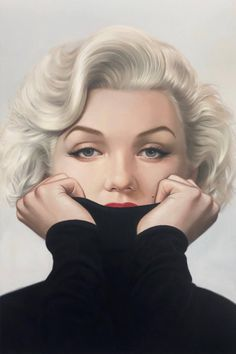 For Sale on - Audrey Tiffany Blue Canvas, Giclée Print by Michael Moebius. Offered by Art Angels. Arte Marilyn Monroe, Marilyn Monroe Drawing, Marilyn Monroe Artwork, Marilyn Monroe Portrait, Hollywood Icons, Old Hollywood, Hollywood Actresses, Images Pop Art, Mode Poster