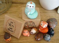 Totems de poche personnalisables oMamaWolf figurines en céramique : Art céramique par omamawolf