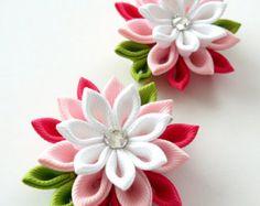 Flores de tela Kanzashi. Juego de 2 pinzas de pelo. Rosa por JuLVa